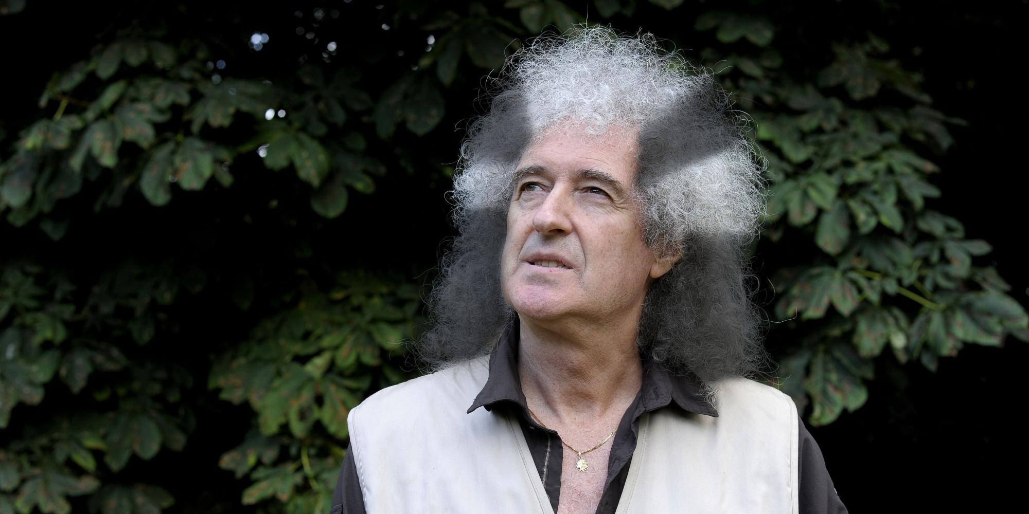 brian may Brian may 661,440 likes 4,365 talking about this welcome to the official brian may facebook: cbe queen founder/guitarist, astronomer, animal.