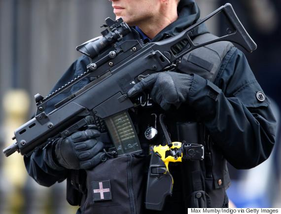 uk police guns