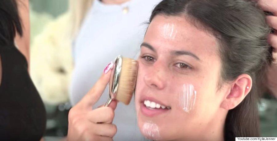 kylie jenner apply makeup
