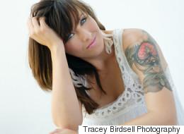 Des tatouages pour retrouver la confiance après un cancer