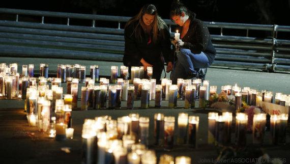 duas mulheres oram
