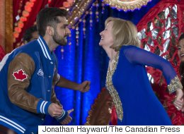 WATCH: Laureen Harper Goes Bollywood