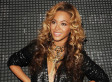 Beyonce Shows Off Baby Bump In Low Cut Top (PHOTOS)