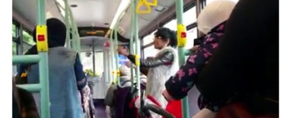 LONDON BUS FIGHT