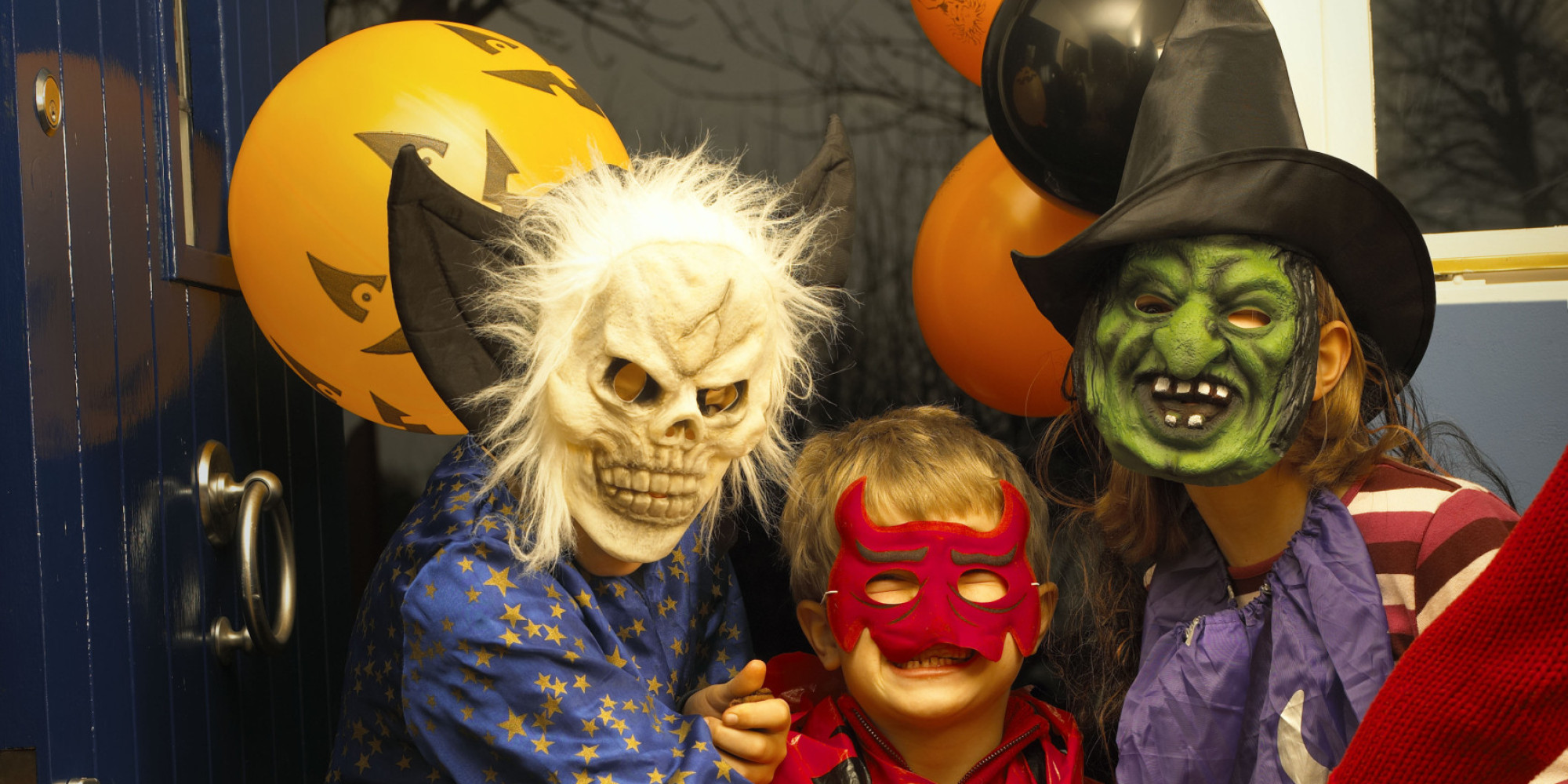 Halloween Trick Or Treating Etiquette: Parents Share Rules