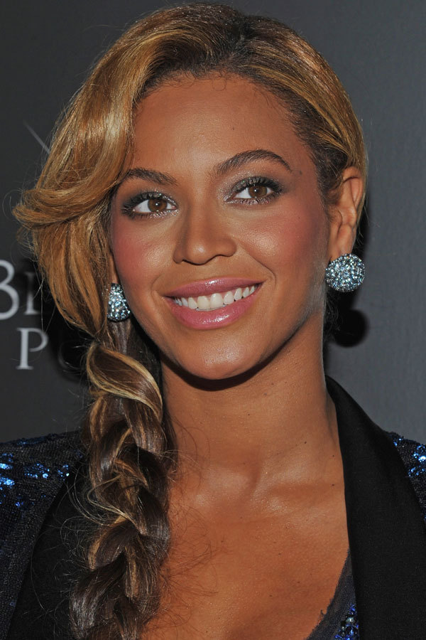 Beyonc 233 S Banging Side Braid How To Get The Look Huffpost