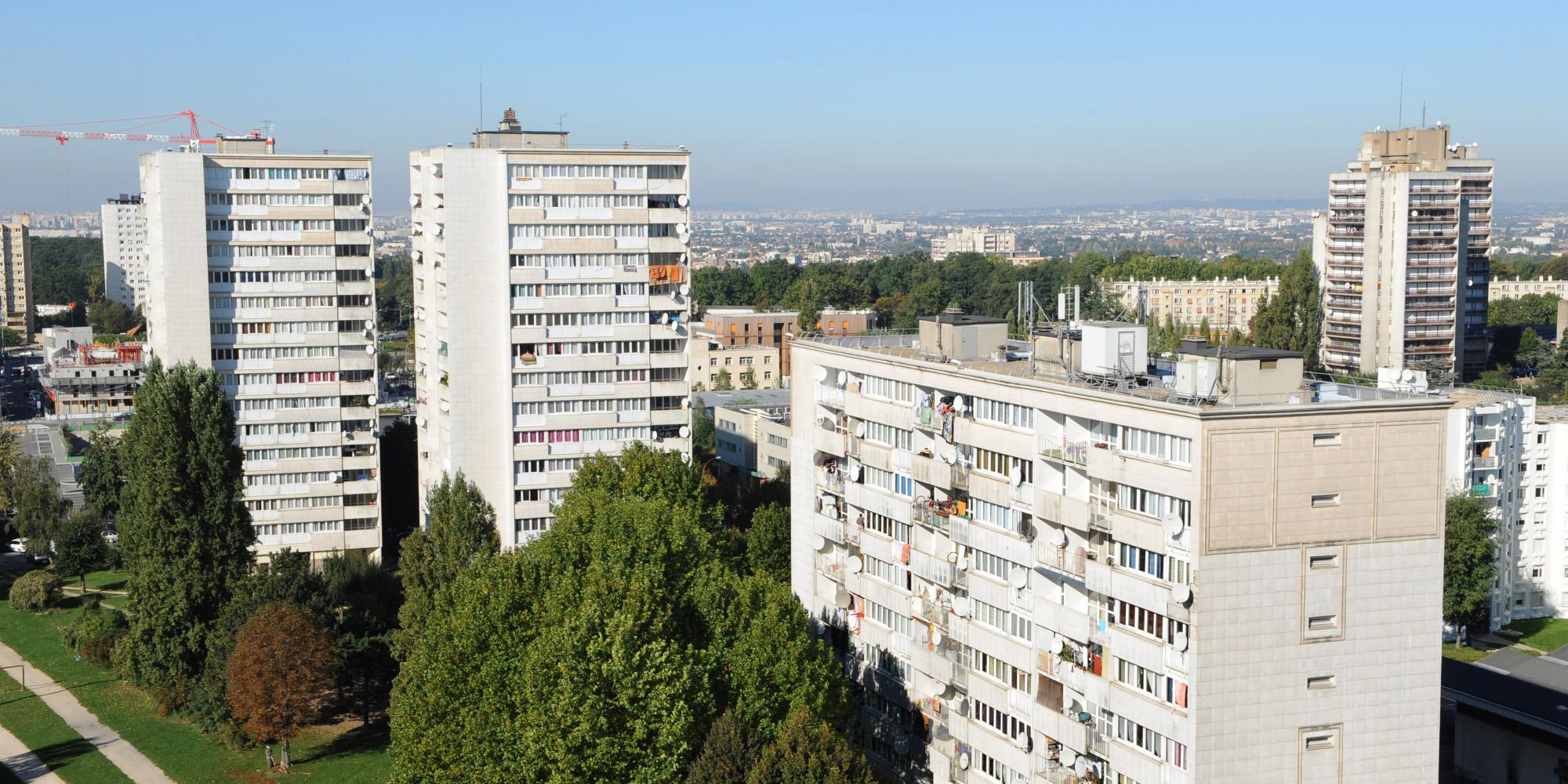 10 ans apr u00e8s, arr u00eatons les fantasmes sur les banlieues! Olivier Klein # La Poste Clichy Sous Bois
