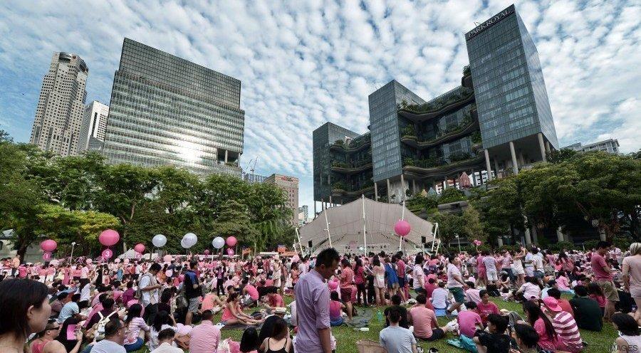 manifestantes se reúnem no parque hong lim