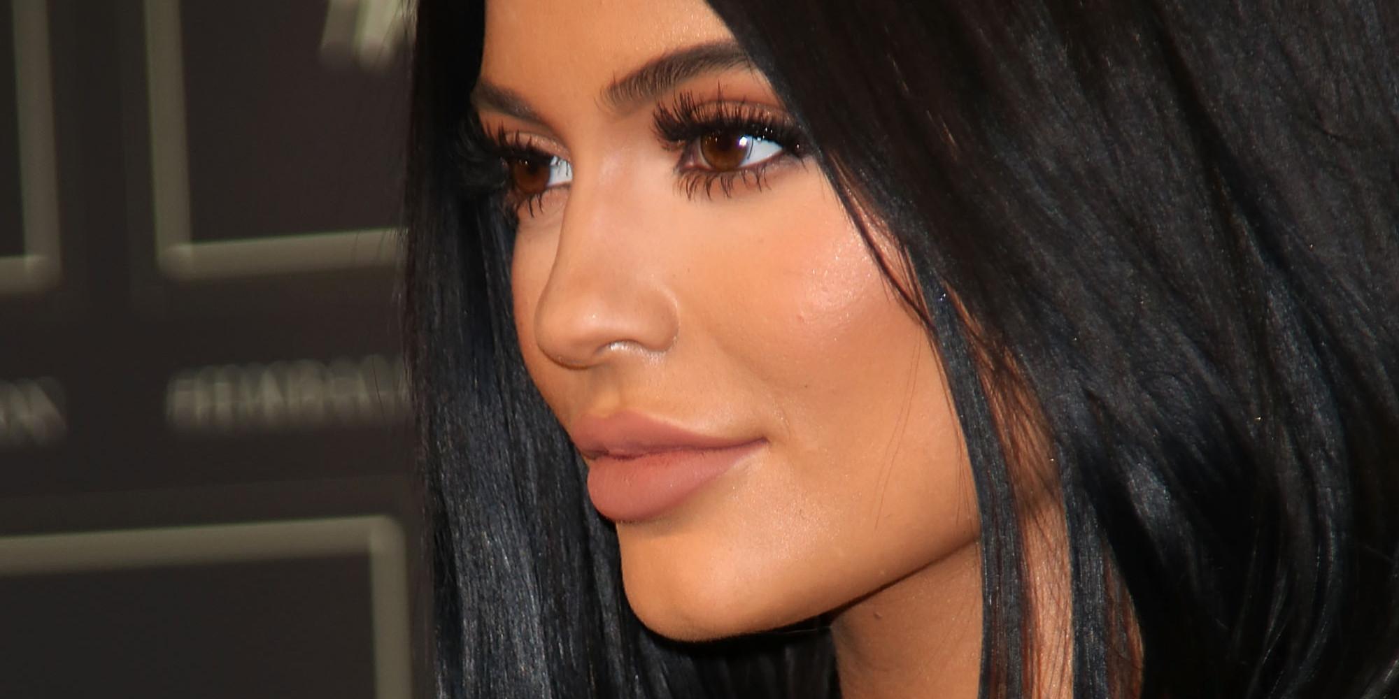 ... seven source kylie jenner makeup bag 2017 mugeek vidalondon kylie jenner inspired makeup tutorial ...
