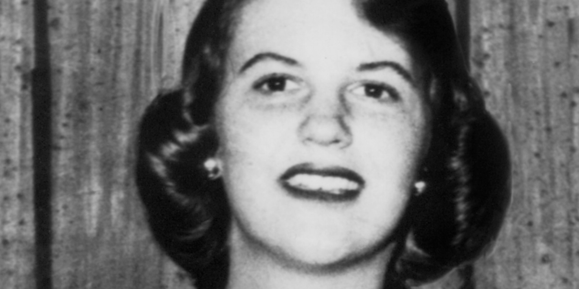 sylvia plath Nobody in the lane, and nothing, nothing but blackberries, / blackberries on either side, though on the right mainly, / a blackberry alley, going down in hooks, and a sea.