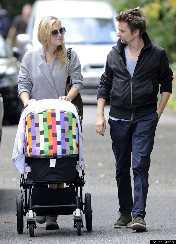 Kate Hudson, Matthew Bellamy Take Baby Bing On A Walk ...