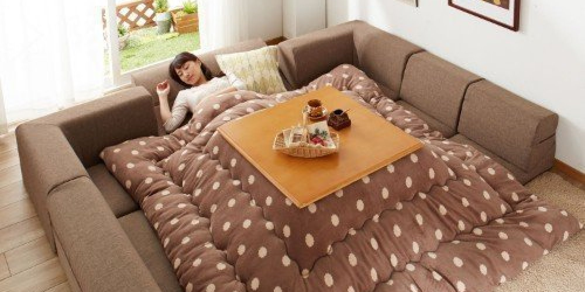 photos le kotatsu l 39 invention japonaise pour rester au chaud tout l 39 hiver. Black Bedroom Furniture Sets. Home Design Ideas