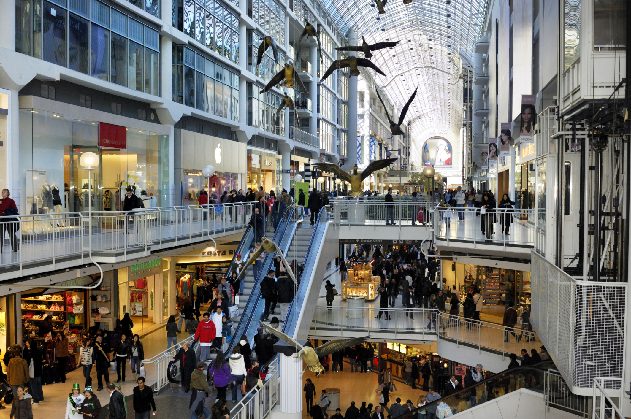 eaton centre toronto crowds