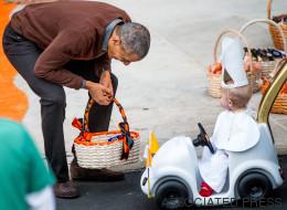 La photo cute du jour: un bébé déguisé en pape fait rire Obama