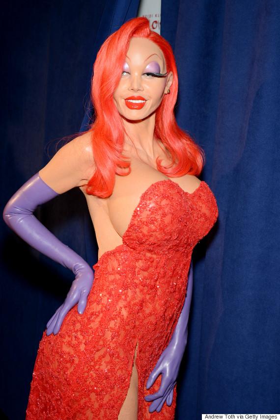 aec04f79ffc Heidi Klum Won Halloween With Incredible Jessica Rabbit Costume ...