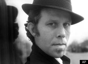 Tom Waits – Back In The Crowd