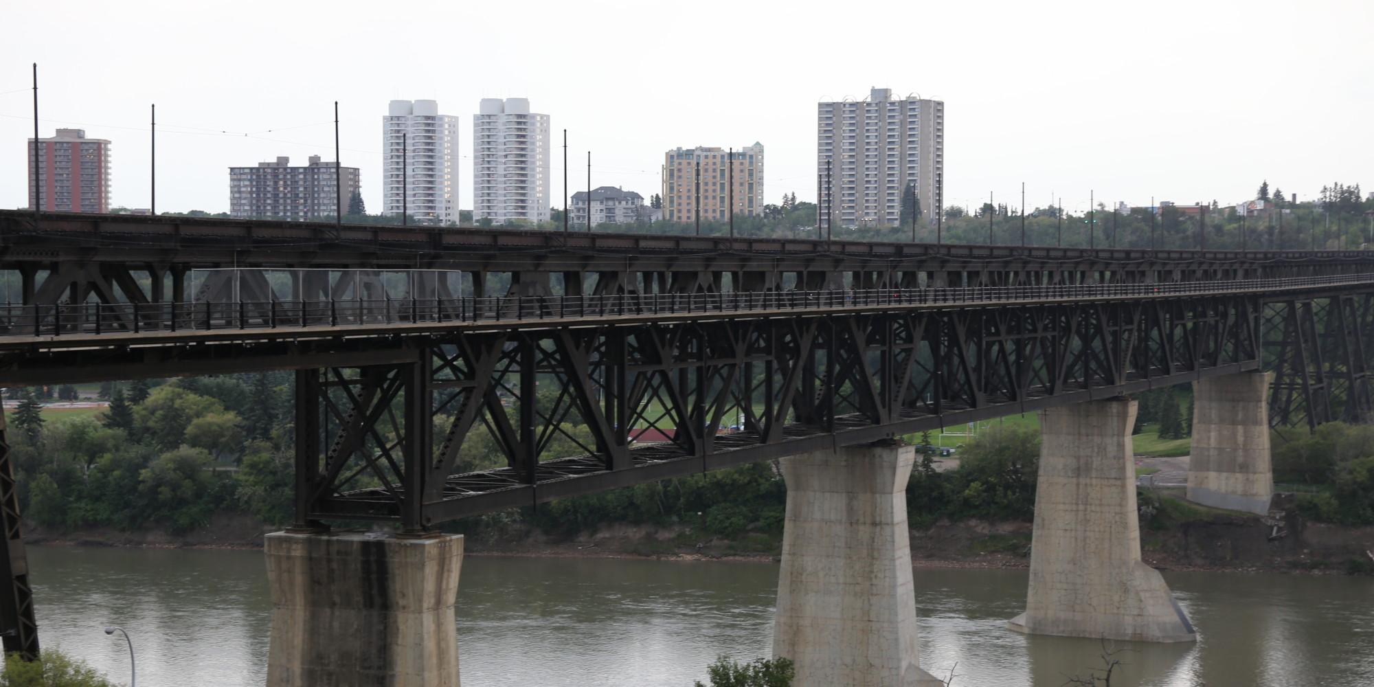 High Level (AB) Canada  City pictures : Edmonton Bridge Is Sad Reminder Of Gaps In Alberta Mental Health ...