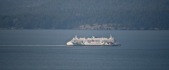 Man on ferry pushes life raft overboard, jumps into Active