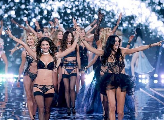 photos d fil de victoria 39 s secret 2015 les 44 mannequins s lectionn s. Black Bedroom Furniture Sets. Home Design Ideas