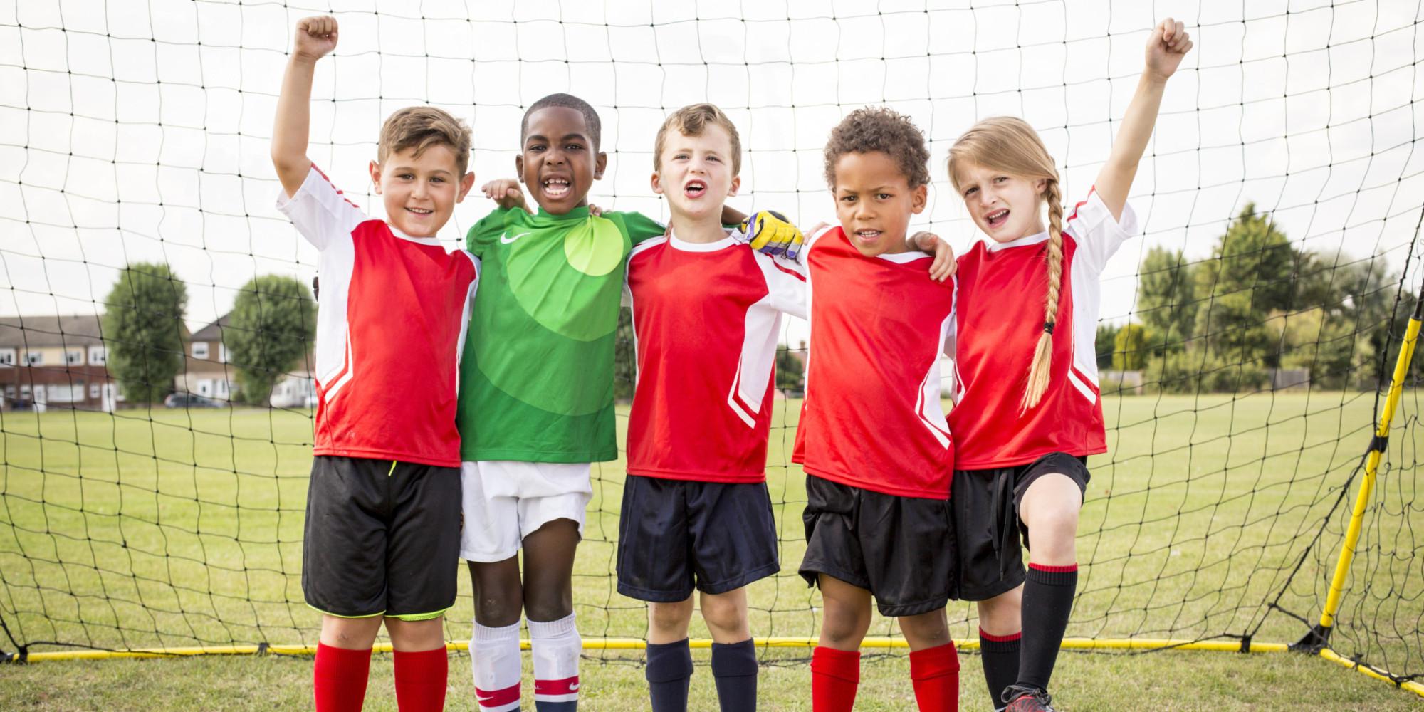 les coups de t te au soccer sont tr s mauvais pour le cerveau des enfants. Black Bedroom Furniture Sets. Home Design Ideas