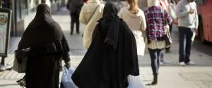 WOMAN MUSLIM UK