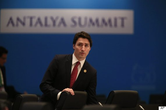 trudeau isis airstrikes isil