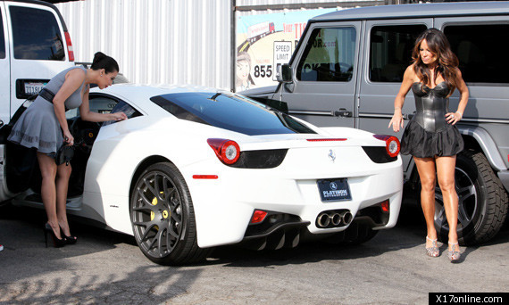 kim kardashian 39 s ferrari star buys 325 000 car photos huffpost. Black Bedroom Furniture Sets. Home Design Ideas