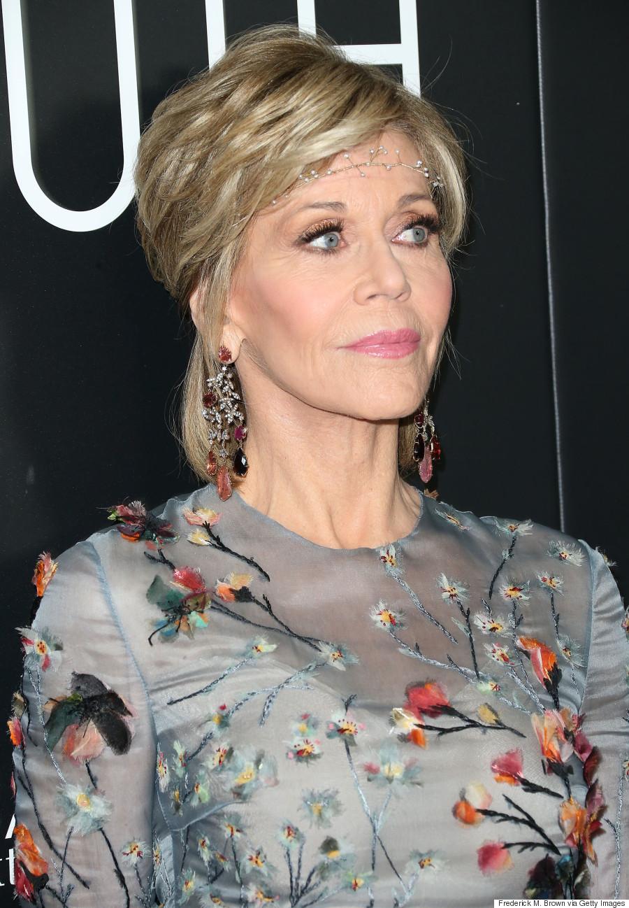 Jane Fonda Looks Incredible In Valentino And Delicate ...