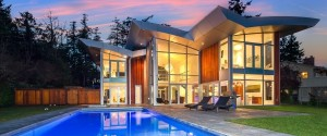 SAANICH MANSION LOCHSIDE
