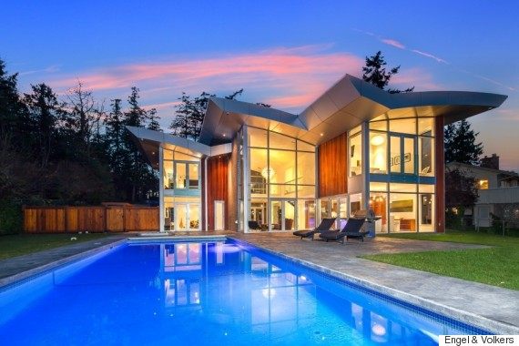 glass mansion oozes vancouver island luxury