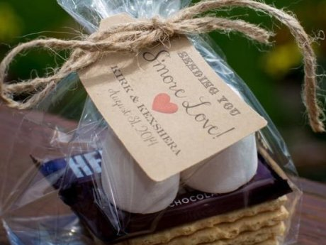 30 Wedding Favors Your Guests Will Actually Like