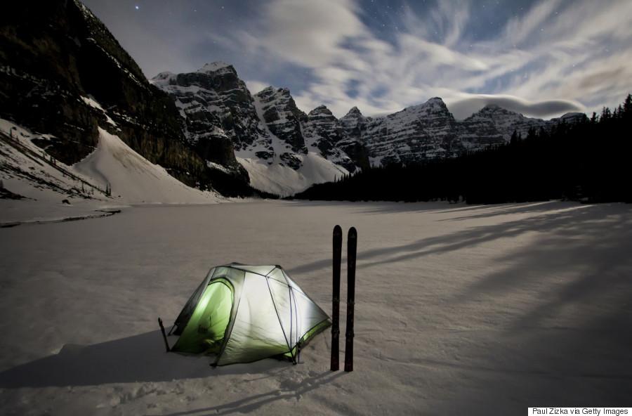 moraine lake alberta frozen