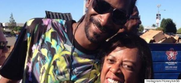 Snoop Spreads Some Holiday Cheer To Those Less Fortunate