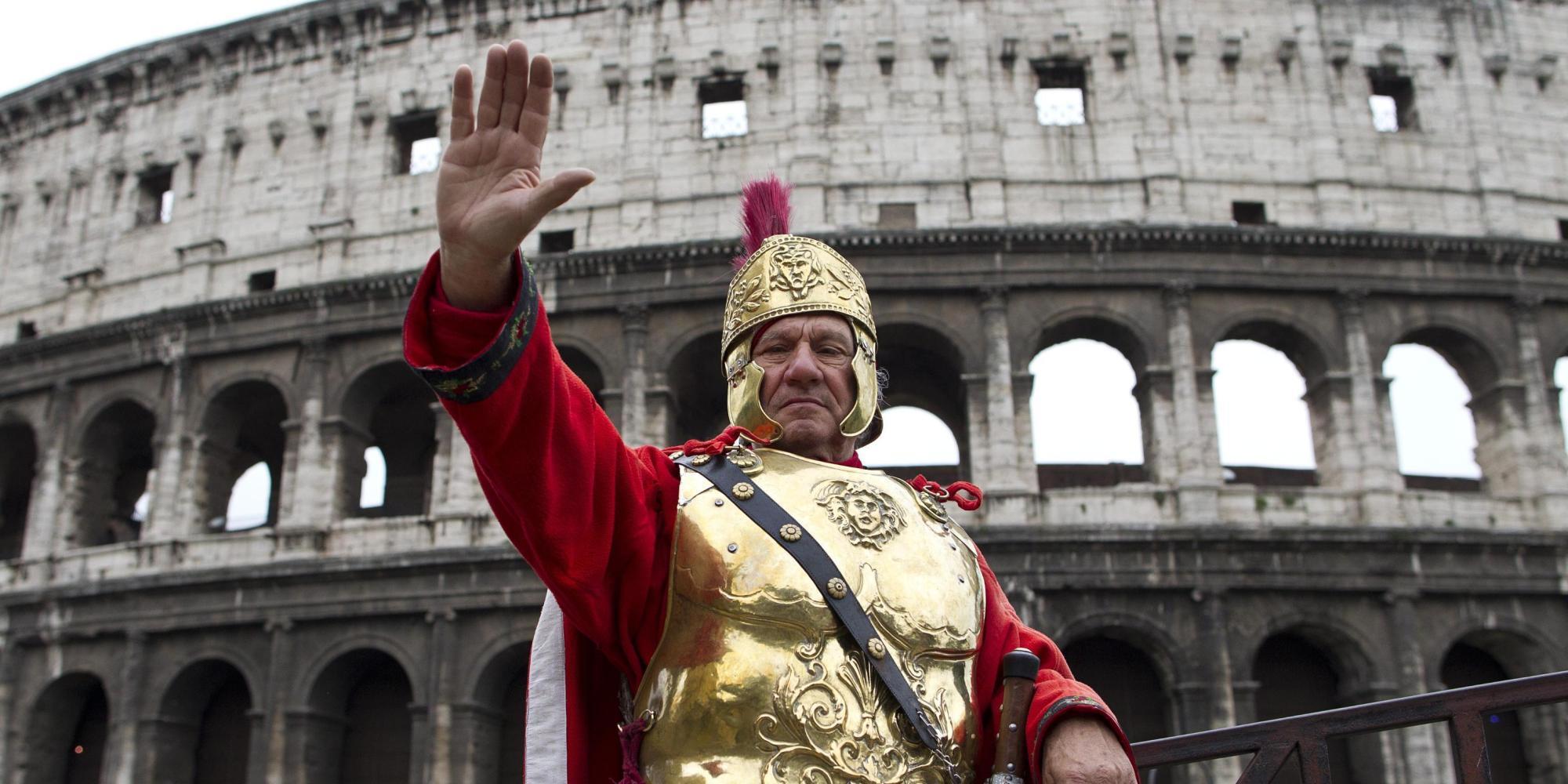 Il Matrimonio Romano Versione Latino : Il centurione romano del colosseo perde lavoro e lo