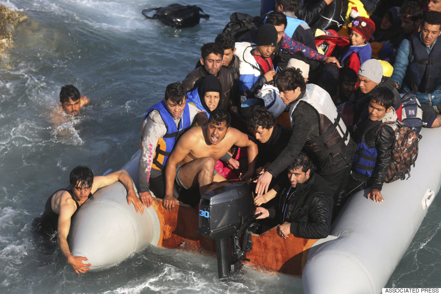 migrants greece police