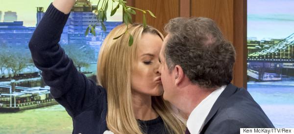 Piers And Amanda Share A Festive Smooch