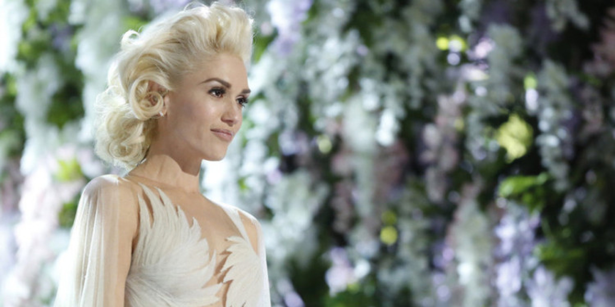 Gwen Stefani Wears Wedding Dress For Emotional 'Used To Love You ...