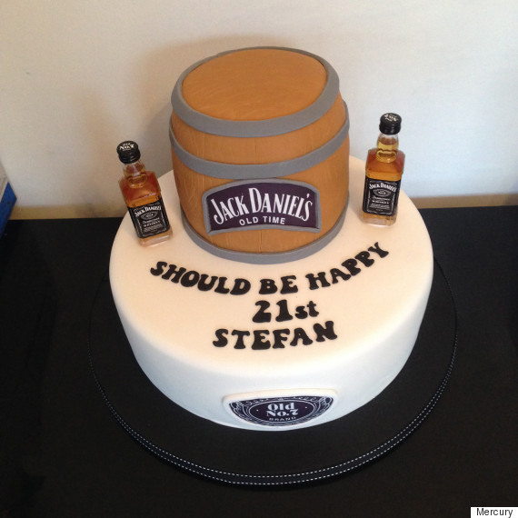 This 21st Birthday Cake Fail Is Making Us Lol