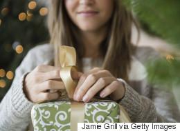 Saint-Valentin: 13 cadeaux québécois à moins de 100$ pour elle (PHOTOS)