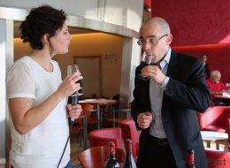 Comment passer pour un expert en vin quand on n'y connaît rien (VIDÉO)