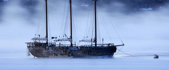 SAILING SHIP SINKING