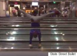 Quand des gens talentueux s'ennuient dans un aéroport, les tapis roulants deviennent leur scène