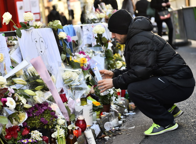 Un mois apr s les attentats du 13 novembre une difficile for La peur du nombre 13