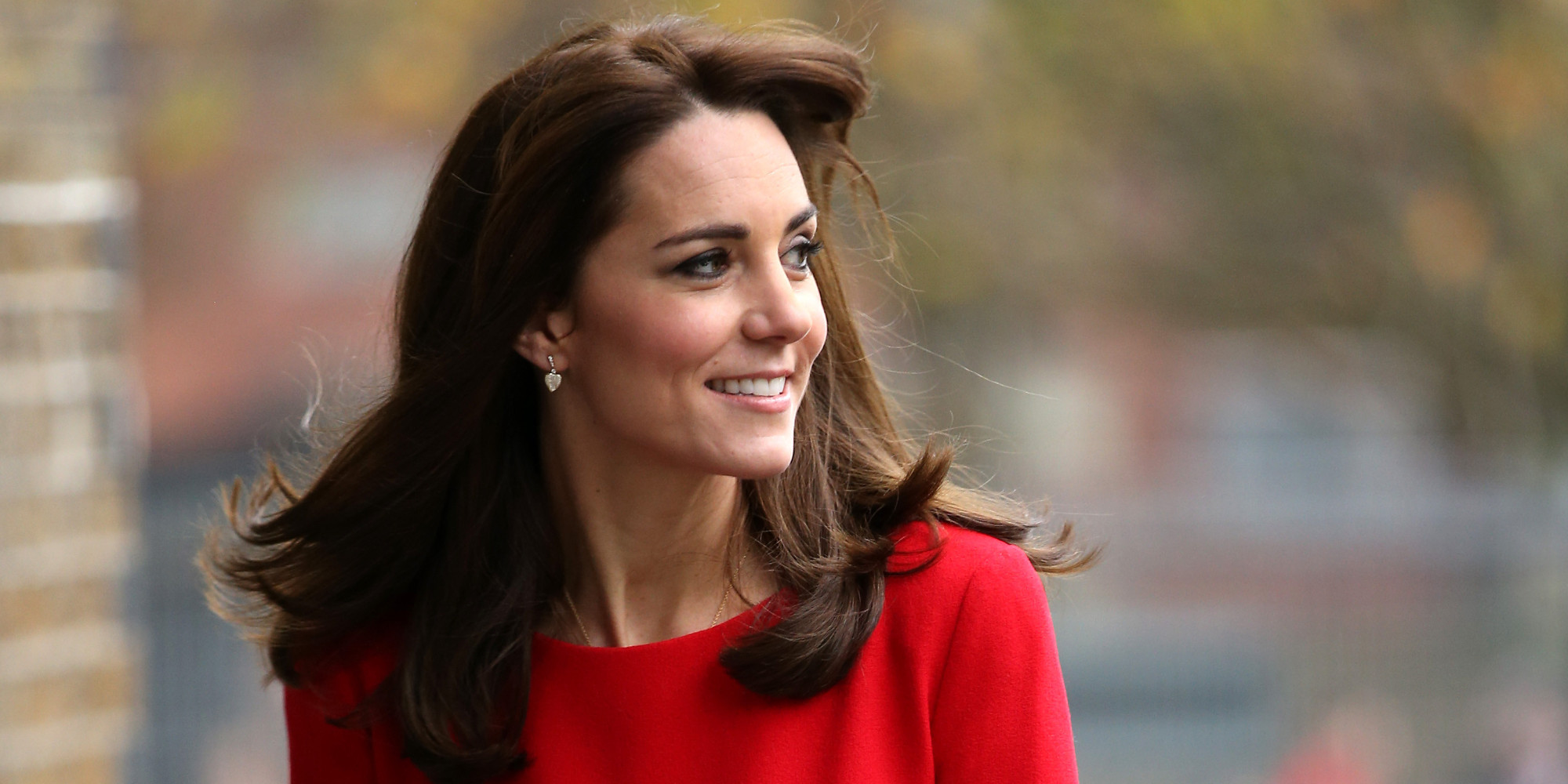 duchess of cambridge wears alexander mcqueen dress to anna