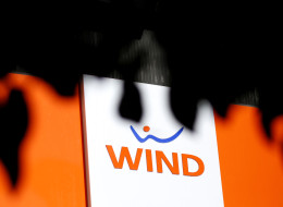 Shaw Communications To Buy Wind Mobile