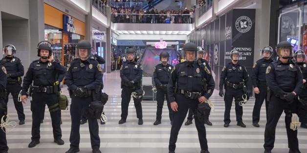 Bildergebnis für police state images