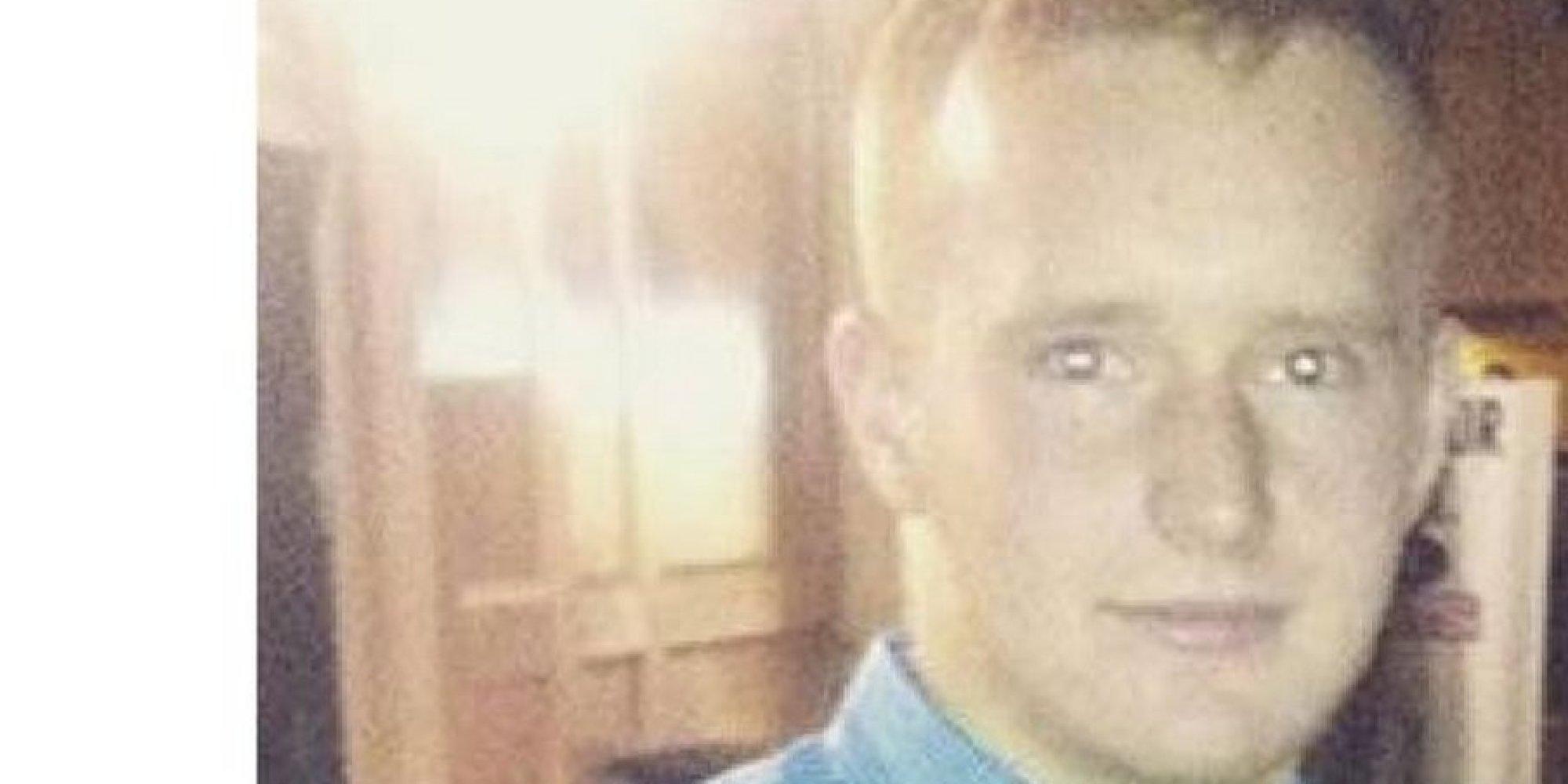 Uomo d 39 affari forza un giovane operaio a cedergli il posto - Papa bagno chimico ...