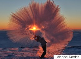 Throwing Hot Tea Into The Air While It's -40C Has A Spectacular Outcome