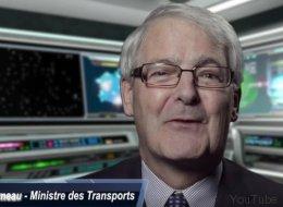 Les conseils du ministre Marc Garneau pour la venue du père Noël au Canada (VIDÉO)