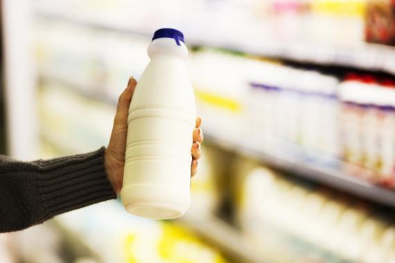 6 حقائق علمية خاطئة حول الماء والحليب والبرق o-MILK-570.jpg?4